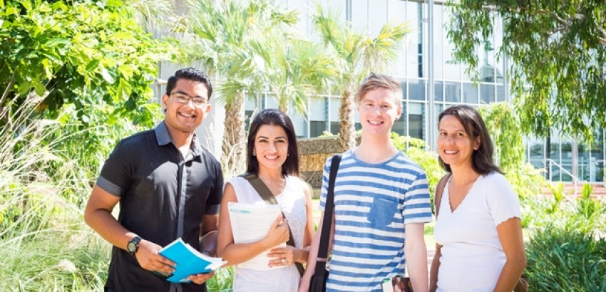 International students | Study with us in 2021 and get your text books for free